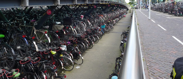 Bicycle storage at Leiden st